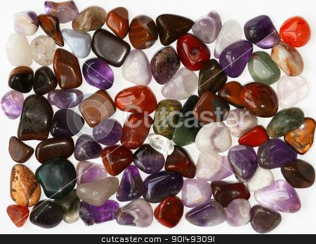белые полудрагоценные камни фото и