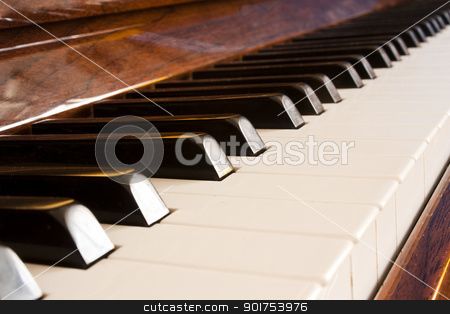 keys of piano stock photo, Primer plano de las teclas del piano by Lutya