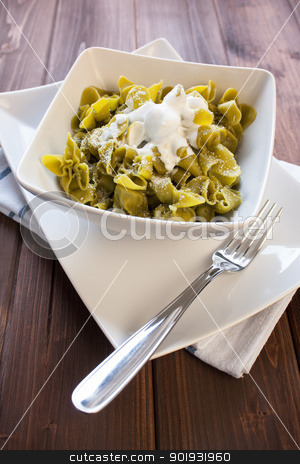 Sacchettini di pasta all'uovo con spinaci e ricotta stock photo, pasta to the egg with spinach and ricotta cheese by Giordano Aita
