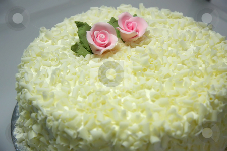 Vanilla cake stock photo, Vanilla cake with white chocolate flakes and flower decoration by Kheng Guan Toh
