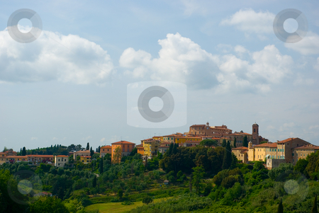 In Lari, Toskana, Italien - In Lari, Tuscany, Italy stock photo, Lari ist eine Gemeinde in der Provinz Pisa am s?dlichen Hang des weitl?ufigen Arnotales gelegen. - Lari is a comune (municipality) in the Province of Pisa in the Italian region Tuscany, located about 60 km southwest of Florence and about 25 km southeast of Pisa. by Wolfgang Heidasch