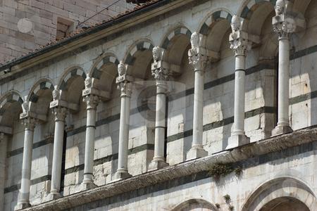 Chiesa di San Michele in Foro  in Lucca, Toskana - Church San Michele in Lucca, Tuscany stock photo, San Michele in Foro, St. Michael auf dem Forum - dem alten r?mischen Marktplatz, ist die zweite bedeutende Kirche in Lucca nach dem Dom. Auch sie stammt aus dem 12. Jh. (ab 1143). Baumeister war Diotisalvi (Major: Guidetto da Como). - San Michele in Foro is a basilica church in Lucca. It was built over the former Roman forum. by Wolfgang Heidasch