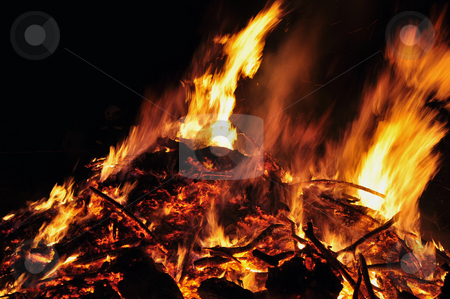 Easter fire stock photo, Osterfeuer detail foto von brennendem holz