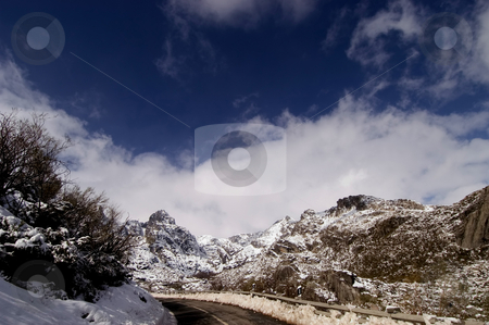 Mountain stock photo, Mountain of Estrela in the winter time by Rui Vale de Sousa