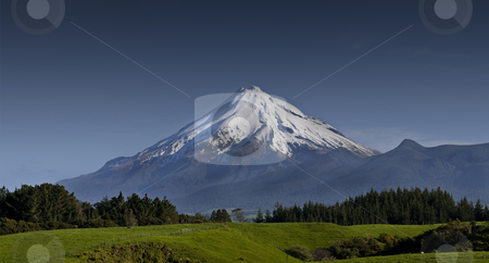 Taranaki stock photo, A 5 shot panorama taken with a short telephoto. Mt Taranaki, rises from the low land farming pastures of the North Island of New Zealand. Named by the British as Mt Egmont the volcano is now mostly described using its Maori name. by Robin Ducker