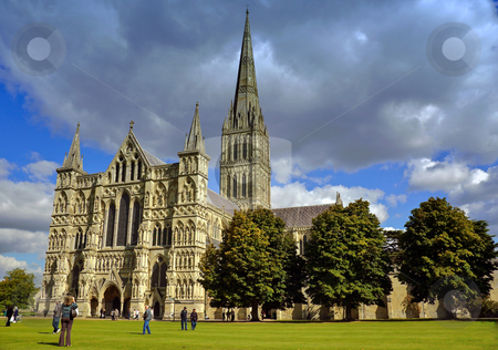 Salisbury Cathedral stock photo, Tourists in the grounds of Salisbury Cathedral, Wiltshire by Robert Ford
