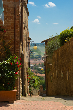 Certaldo Alto in der Toskana, Italien - Certaldo Alto in tuscany stock photo, Certaldo ist eine Gemeinde von 16.042 Einwohnern im Zentrum des Valdelsa in der Provinz Florenz. - Certaldo is a town and comune of Tuscany, Italy, in the province of Florence, located in the middle of Valdelsa. by Wolfgang Heidasch