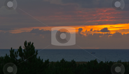 Sonnenuntergang am Atlantik - Sunset on the Atlantic stock photo,  by Wolfgang Heidasch