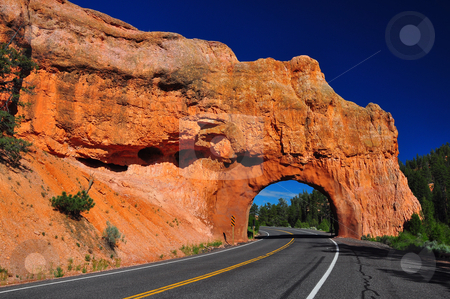 Red Arch road tunnel on the way to Bryce Canyon