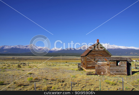 Old barn stock photo, Abandoned barn in the plains of Colorado by Sreedhar Yedlapati