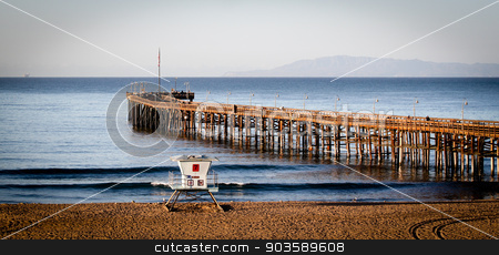 Ventura Pier stock photo, The Ventura Pier with Santa Cruz Island in the background by Henrik Lehnerer