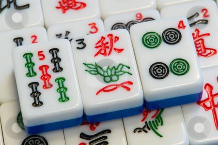 Mah-Jongg Spiel stock photo, Ein altes asiatisches Spiel, welches in vielen Spielvarianten existiert. Im Solit?tspiel geht es darum, gleichartige Steine zu finden und diese zu entfernen. Dient der Konzentration und Entspannung, wie Patience. by Wolfgang Heidasch