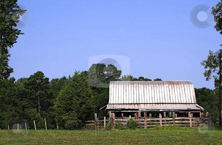 Old Barn stock photo, An barn on an old abandoned farm. by Robert Byron
