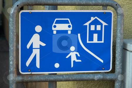 Verkehrschild Spielstra?e stock photo, Zeichen 325: Beginn eines verkehrsberuhigten Bereichs by Wolfgang Heidasch