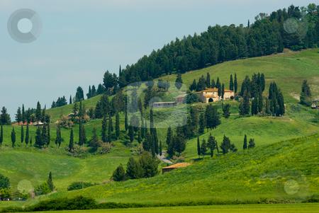 Landschaft in der Toskana, Italien - Landscape in tuscany, italy stock photo, Die Toskana (italienisch Toscana) ist eine Region in Italien und grenzt im Norden an Ligurien und die Emilia-Romagna, im Osten an die Marken und an Umbrien und im S?den an Latium. - Tuscany (Italian: Toscana) is a region in Italy. It has an area of 22,990 km? and a population of about 3.6 million inhabitants. The regional capital is Florence. by Wolfgang Heidasch