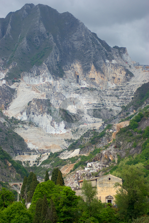 Marmor Steinbruch in Carrara, Italien - Marble quarry in Carrara, Italy stock photo, Carrara-Marmor ist einer der bekanntesten Marmore weltweit. - Carrara is a city in the province of Massa-Carrara (Tuscany, Italy), famous for the white or blue-gray marble quarried there. by Wolfgang Heidasch