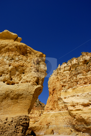 Cliff stock photo, Beach cliff of algarve on the south of portugal by Rui Vale de Sousa