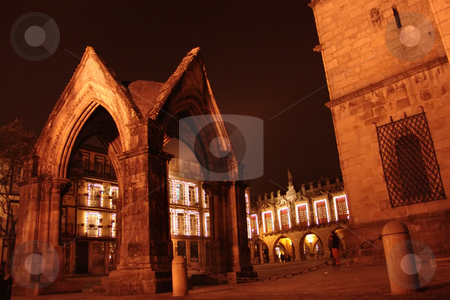 Night stock photo, Old architecture at night by Rui Vale de Sousa