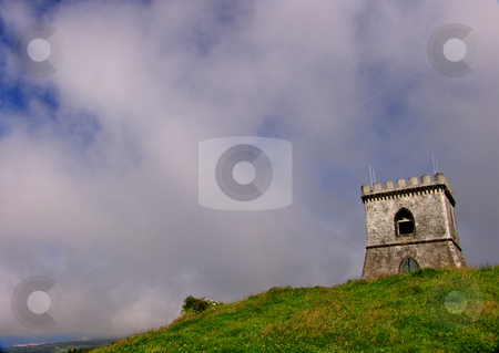 Castle stock photo, Castle in the top of the hill by Rui Vale de Sousa