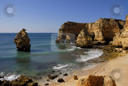 Beach stock photo, Small beach in algarve, the south of portugal by Rui Vale de Sousa