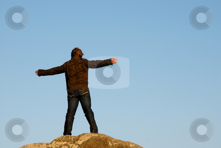 Free stock photo, Young man with arms wide open and the sky as background by Rui Vale de Sousa