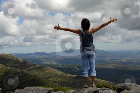 Happy stock photo, Woman with arms wide open in the mountain by Rui Vale de Sousa