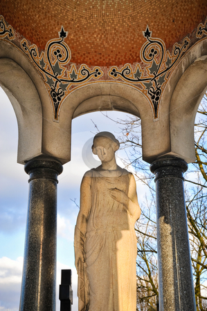 Pere Lachaise pergola stock photo, Pergola and statue in Pere Lachaise cemetery by Jaime Pharr