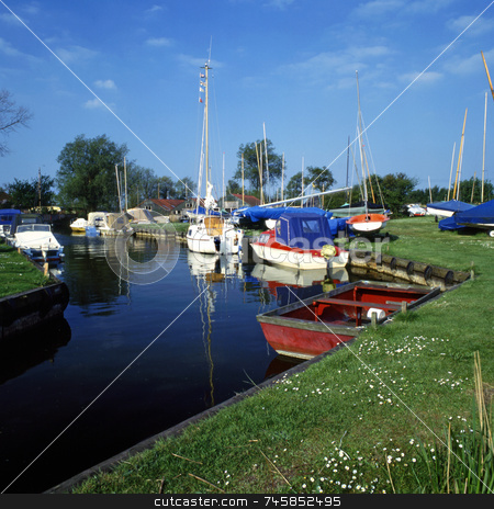 Hicklin Broad stock photo, Boats on Hicklin Broad by Paul Phillips