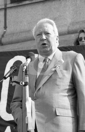 Rt.Hon. Edward Heath stock photo, Edward Heath, former Prime Minister of Britain and Conservative party Leader, speaks at a rally in support of Beirut hostage John McCarthy at Trafalgar Square in London on April 13, 1991. by newsfocus1